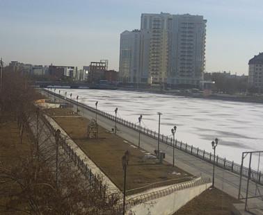 Астрахань. Веб камера онлайн Аллея семьи