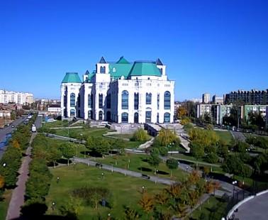 Астрахань. Веб камера онлайн театральный парк
