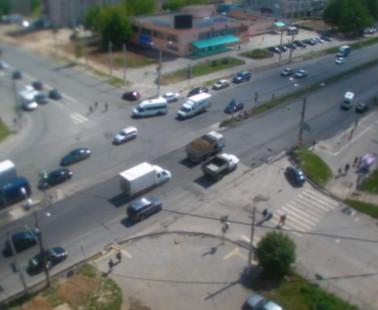 Чебоксары. Веб камера онлайн перекресток Эгерского бульвара и проспекта Мира