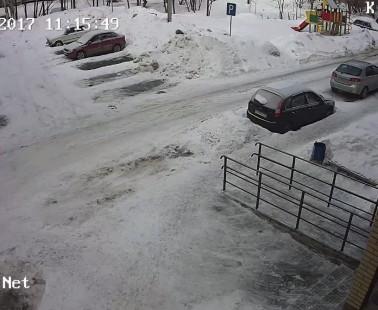 Глазов. Веб камера онлайн улица К. Маркса, дом 18 камера 2