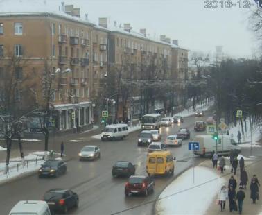 Великие Луки. Веб камера онлайн перекресток пр-тов. Ленина и Октябрьского