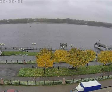 Рыбинск. Веб камера онлайн памятник Ошанину