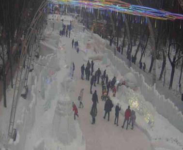 Парк «Сокольники». Веб камера онлайн Центральная аллея №2