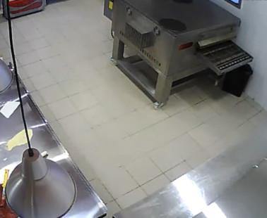 Вологда. Веб камера онлайн Додо Пицца 1