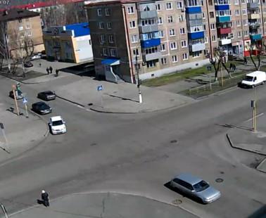 Междуреченск. Веб камера онлайн перекресток Строителей — Комарова