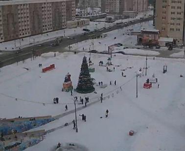 Междуреченск. Веб камера онлайн площадь «Праздничная»