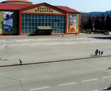 Междуреченск. Веб камера онлайн площадь «Весенняя» №1