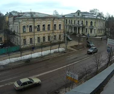 Бежецк. Веб камера онлайн вид с 16 магазина