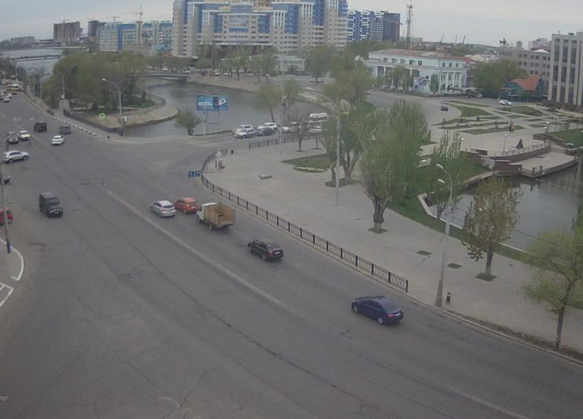 Астрахань. Веб камера онлайн улица Адмиралтейская камера 2