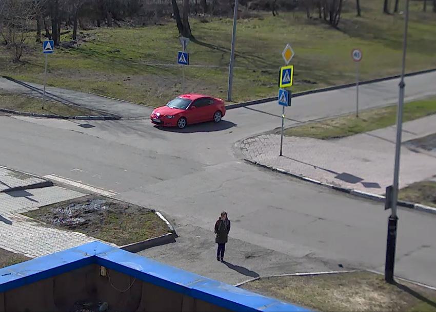Междуреченск. Веб камера онлайн Брянская 12, дорожный переход