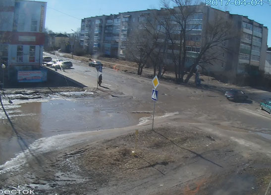 Бежецк. Веб камера онлайн перекресток перед ТЦ Старт