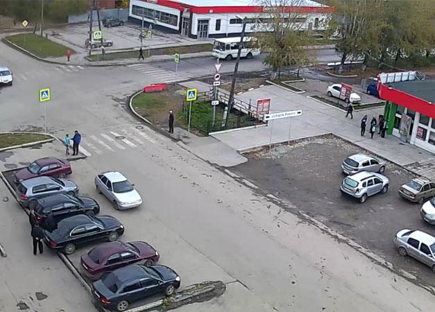 Полевской. Веб камера онлайн перекресток ул. Карла Маркса и Володарского