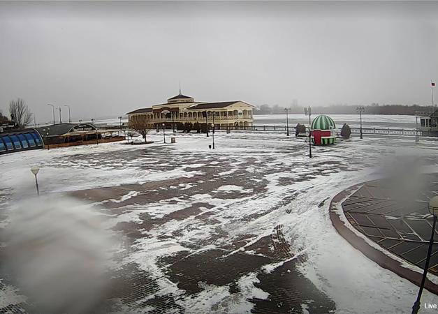 Астрахань. Веб камера онлайн Петровский фонтан